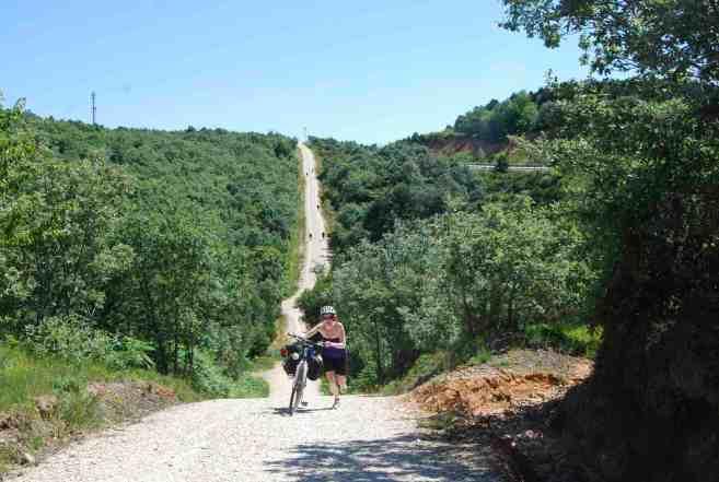 Mary between Villafranca Mont des Ocas and San Juan de Ortega