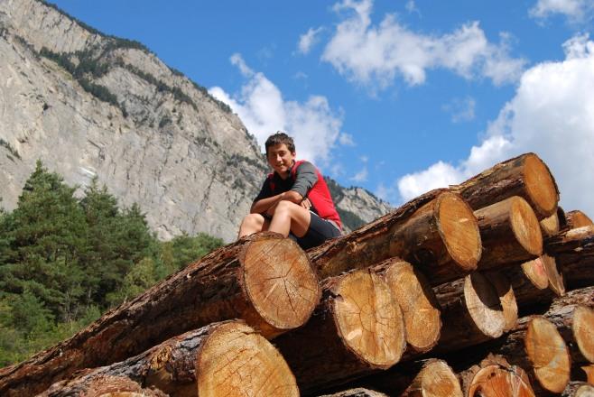 Ronan on logs 4